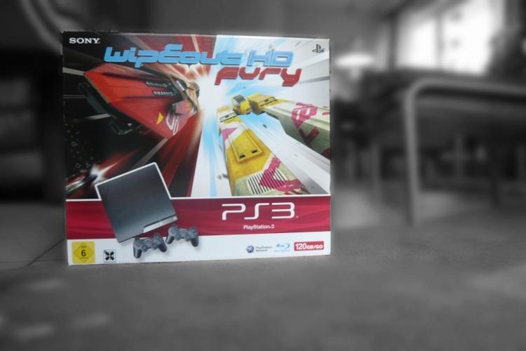 PS3 Slim von Aldi im Paket mit Wipeout HD Fury